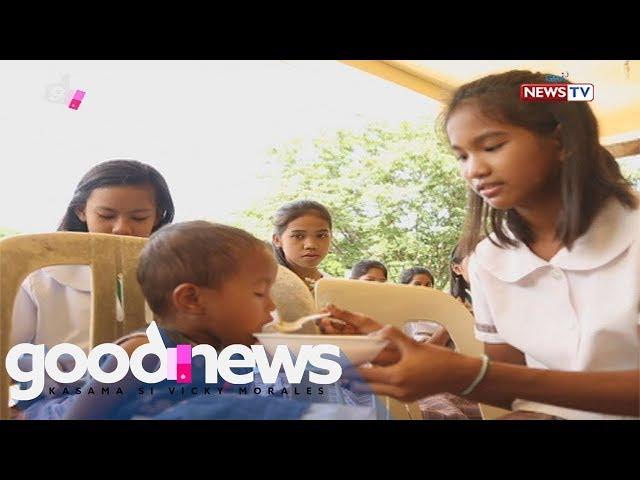 Good News: Grade 7 student, palaging kasama ang bunsong kapatid sa pagpasok sa eskwela