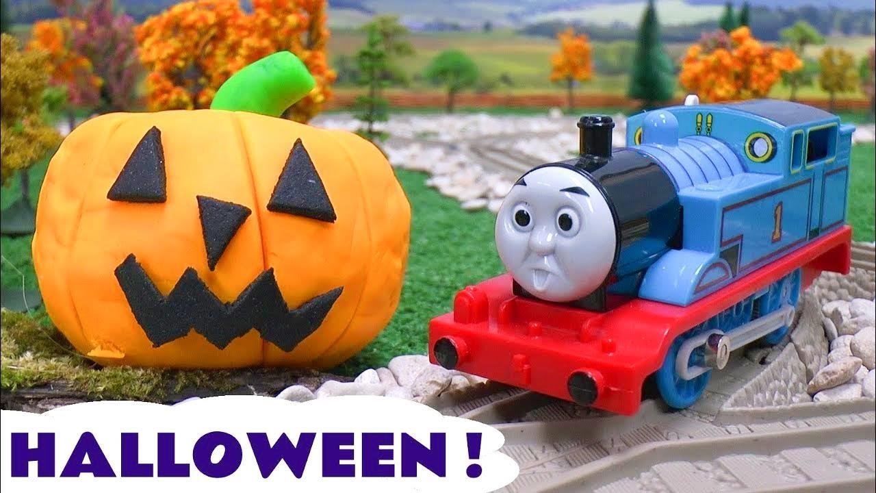 Thomas The Train Play Doh Halloween Pumpkin Ghosts Haunted Toy Story Tom Moss Games Playdoh
