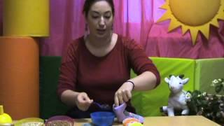 видео Делаем игрушки для развития мелкой моторики своими руками: прищепки, мешочки