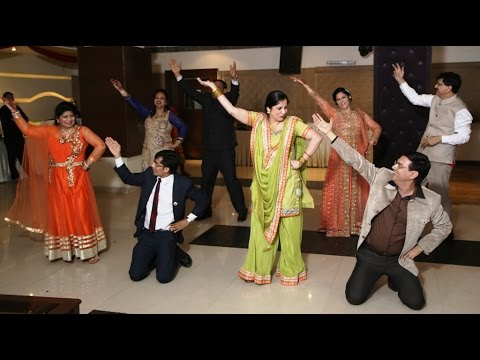couples dance on old songs indian wedding dance performance