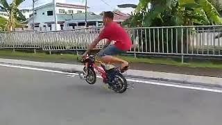 Idola Main Wheelie Pulak, Boring Dah Superman Je