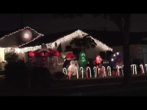 Flippen House Christmas Musical Light Show