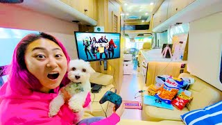 SPENDING 24 HOURS IN AN RV!!