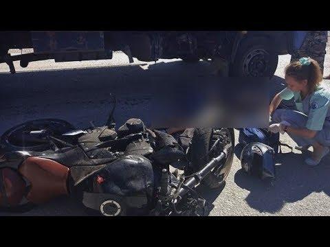 В Феодосии в результате ДТП с грузовиком погиб мотоциклист