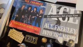 Ace Frehley Archive digs in for the 2011 KISS Expo May 14th Bill gets ready.......