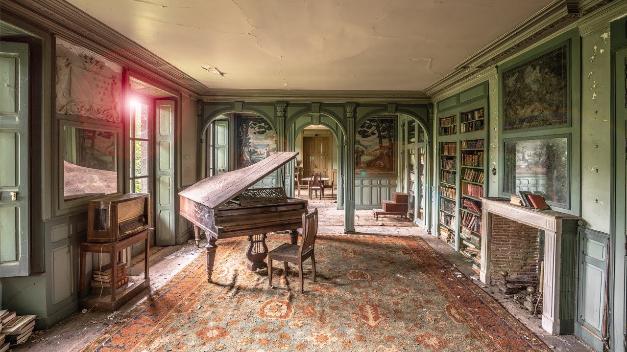 Download Enchanting Abandoned 17th-Century Chateau in France (Entirely frozen in time for 26 years)