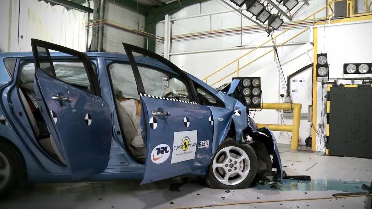 Crashtest Nissan Leaf Elektrische Auto Consumentenbond Youtube