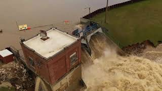 Watch Dam failures at Wixom Lake causes flooding devastation in michigan