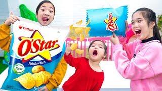 Cách Ăn Quà Vặt Trong Lớp Không Bị Bạn Phát Hiện ❤ Snack Khổng Lồ - Trang Vlog