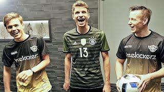 Soccer Trick Shot Challenge: Youtuber vs German National Team (Müller & Kramer)
