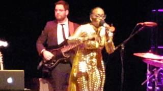 Dionne Farris - I Know (Live)