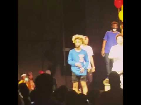 Ayo and Teo | Teo swang reversed the drop 2 times.