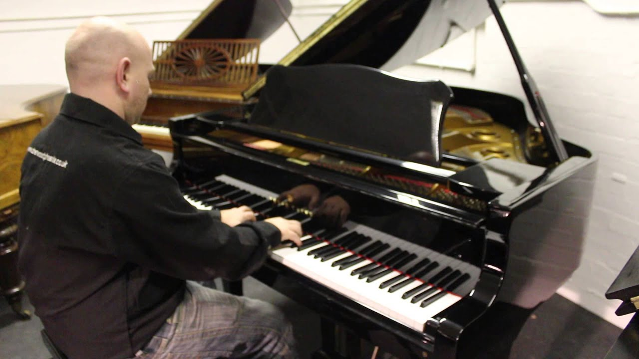 Young Chang G 157 Baby Grand Piano In A Polyester Black