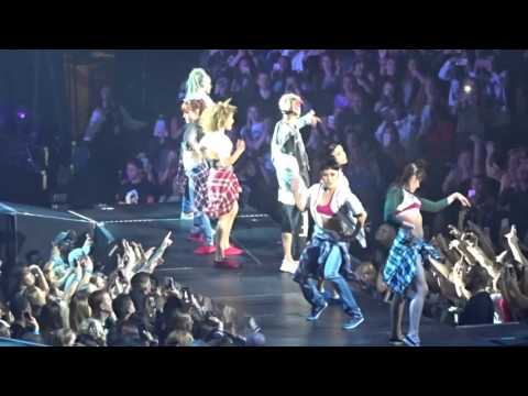 Justin Bieber - Baby (Live in Dallas, TX at American Airlines Center April 10, 2016)