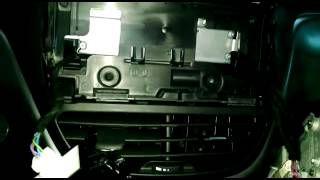 Desmontando painel Peugeot 208