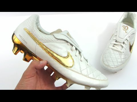 Nike Tiempo Legend Ronaldinho Touch of Gold Unboxing