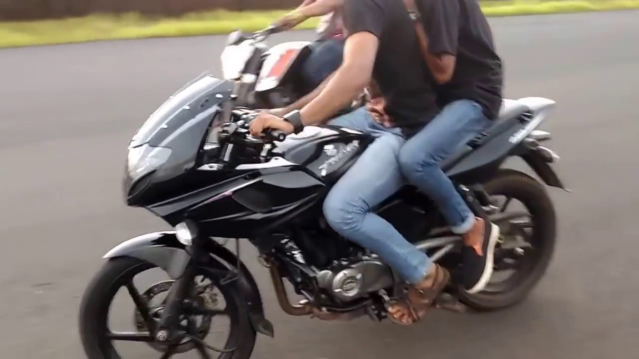 pulsar bike stunts royal
