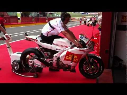 Termignoni - MotoGP 2011 Simoncelli's Honda RC212V warming up