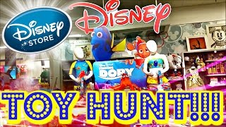 TOY HUNTING at Disney Store FINDING DORY Toys Alice In Wonderland TSUM TSUM Froyo Vlog