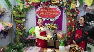 Lớp dạy cắm hoa Lily. Học viên đến từ Úc nhận xét về lớp học.