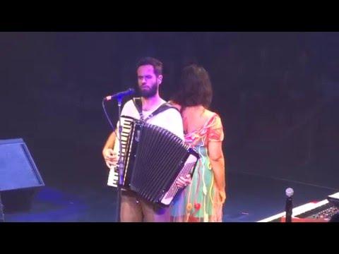 """Dia a dia lado a lado"" - Tulipa Ruiz & Marcelo Jeneci"