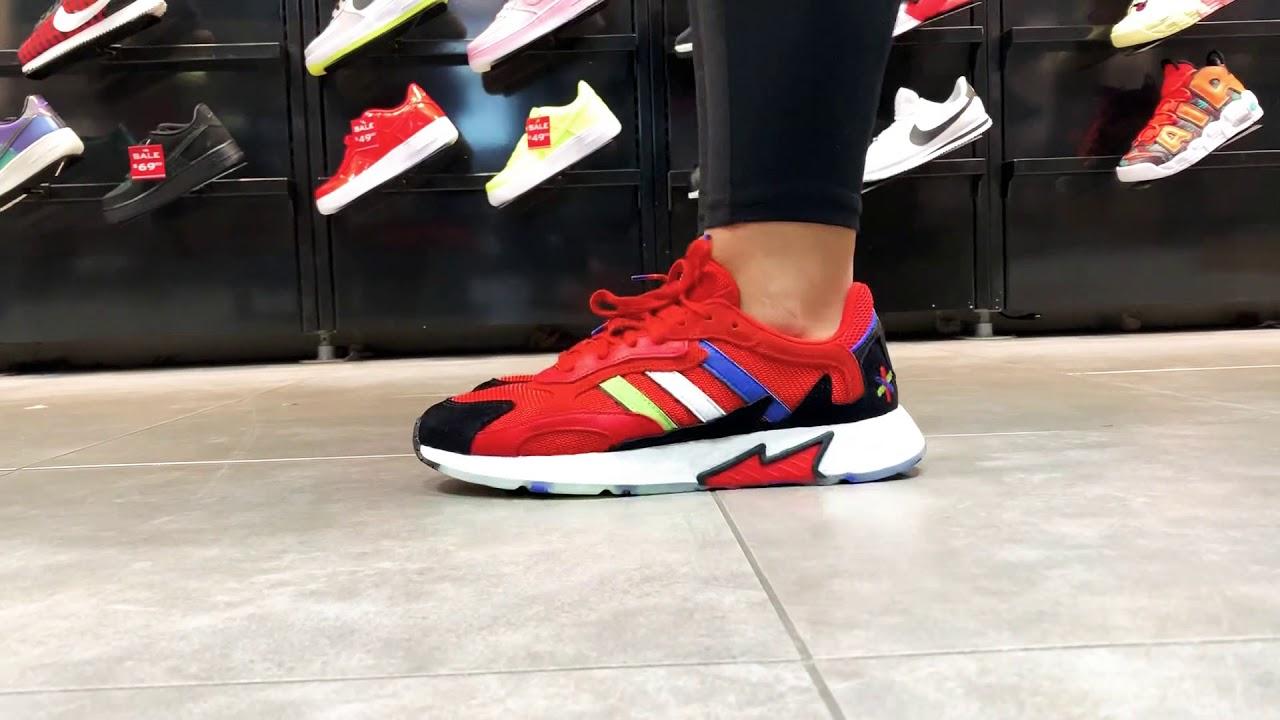 Adidas Tresc Run - YouTube