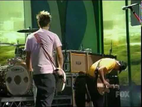 Blink 182 - Down Live