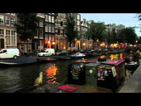Amsterdam at Night - walk around the Red Light District De Wallen in Holland 3