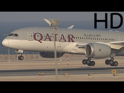 ᴴᴰ Qatar Airways Boeing 787-8 Dreamliner Landing at Hamad International Airport ( 2014 )