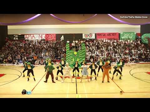 """High School Dance Team Goes Viral For """"Wizard of Oz"""" Dance"""