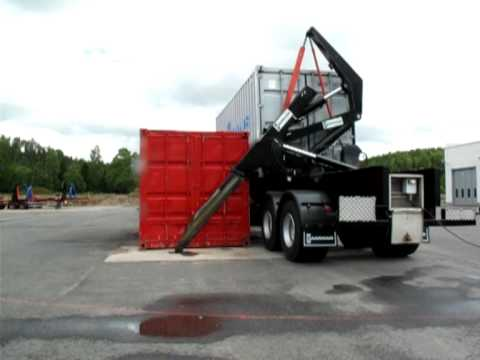 HAMMAR 195 HS sideloader - Stacking 8'6'' containers