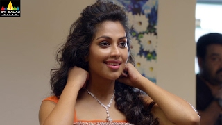 Iddaru Iddare | Mohanlal Gift to Amala Paul | Latest Telugu Movie Scenes | Sri Balaji Video