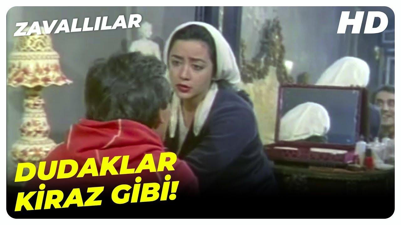 Patron'un Oğlu, Zeliha'yı Rahat Bırakmadı! | Zavallılar Küçük Emrah Türk Filmi