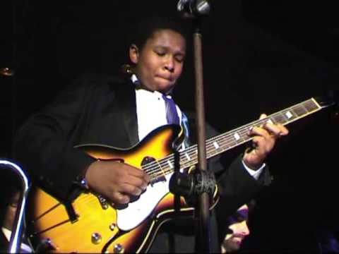Solomon Hicks plays Johnny B Goode at Swing night in the Cotton Club 26 oct 2009