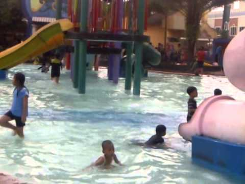 waterpark aladin depok city (fairuz 'n family)