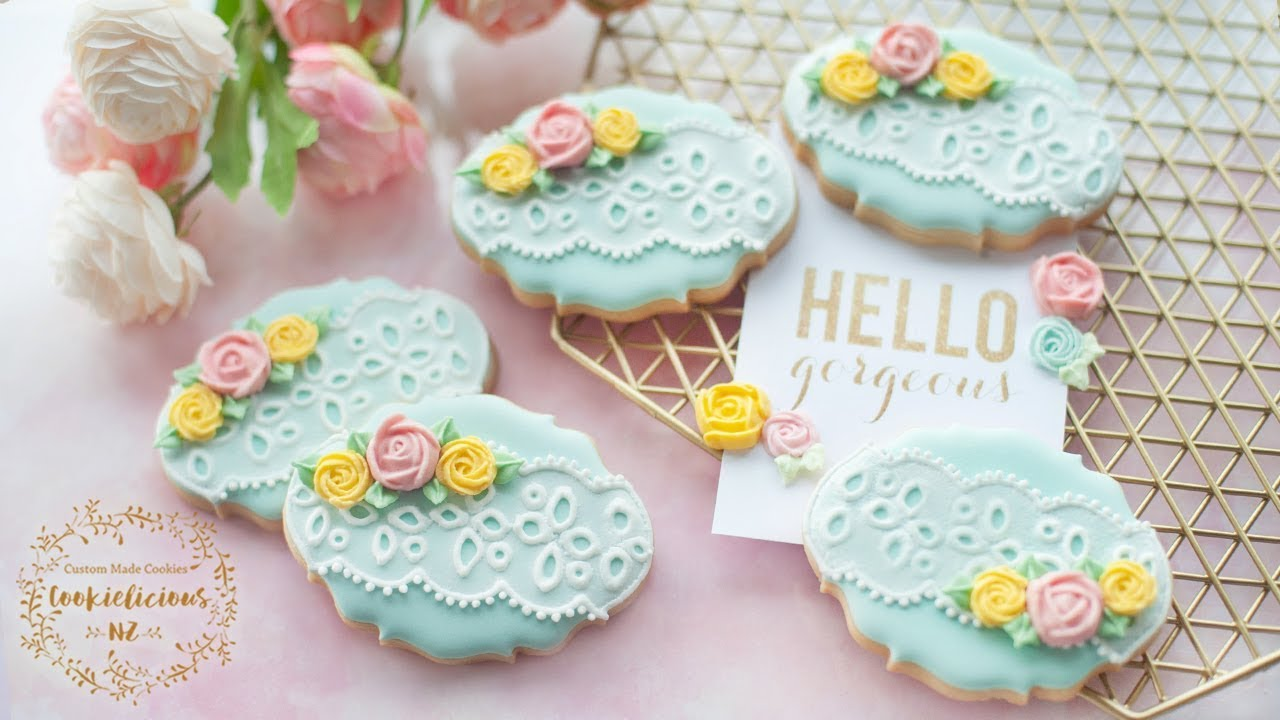 How To Cook Icing Biscuits