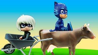 Видео про игрушки Герои в Масках. Луна против Гекко, Кэтбоя и Алетт на игрушечной ферме!