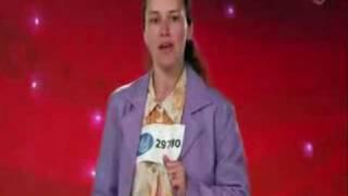 Idol (roligt) - Olga sjunger på ryska, svenska och spanska.