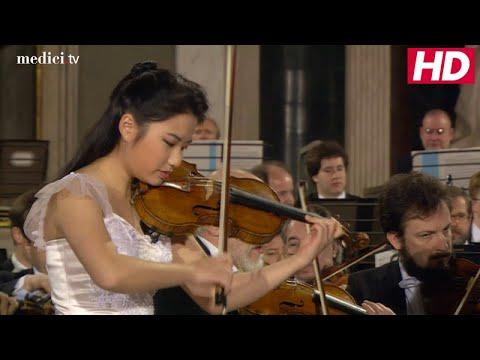 Sarah Chang - Paganini: Violin Concerto No. 1, Op. 6