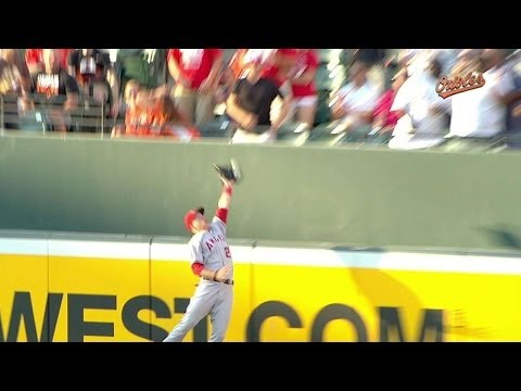 Mike Trout goes SKY HIGH like Air Jordan to rob J.J. Hardy of a homer!