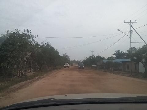 Woooow!!!Jalan Sambas - Aruk Kalimantan Barat, Menuju Lintas Batas Indonesia - Malaysia
