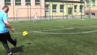 CZ1-Turbokozak z KS Talent  Pojedynek  Double Truble Gutek vs Łuki - Zabawy z piłką na Orliku -