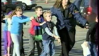 Расстрел детей в школе Ньютауна (США)