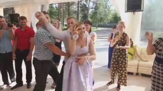 Самый веселый свидетель на свадьбе