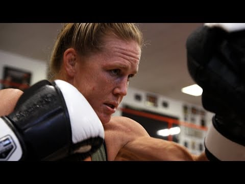 UFC 219: Holly Holm  Cyborg is Beatable