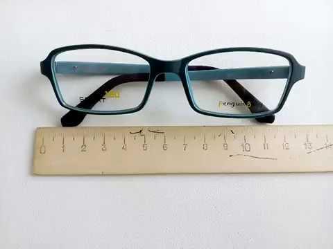 В таких очках ваш ребенок будет не только хорошо видеть, но и чувствовать себя очень комфортно. У нас вы можете приобрести детские оправы известных и прекрасно зарекомендовавших себя брендов,оправы fisher price,очки фишер прайс, silicon baby, spring time! Детские очки, детская оптика.