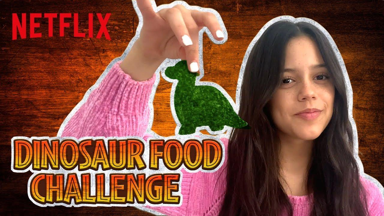 Dinosaur Food Challenge! Jenna Ortega & Cast React | Jurassic World Camp Cretaceous | Netflix