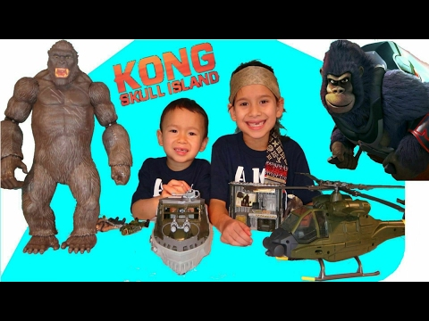 Kong Skull Island 2017 Antarctic Expedition Team Monarch - Storm Strike - surprise KONG toy play set