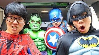 Download 보람이와 친구들은 슈퍼히어로 변신 할머니 도와주기 Superheroes ride on car and Help Mp3 and Videos