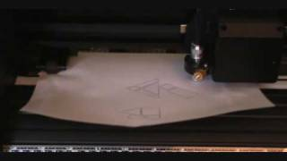 Vinyl Cutter Demo (US Cutter MH365 Refine)